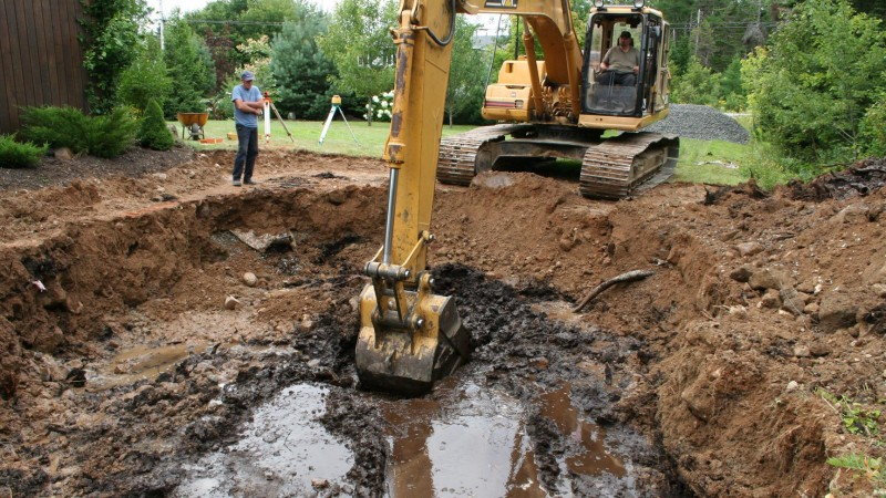 Pool build process - the dig